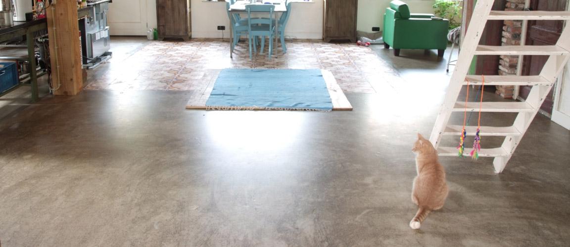 gietvloer betonlook de betonlookvloer van gietvloer amsterdam. Black Bedroom Furniture Sets. Home Design Ideas